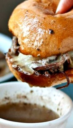 Slow Cooker Beef Brisket French Dip Sandwiches – Amazing World Food and Recipes Crock Pot Slow Cooker, Crock Pot Cooking, Slow Cooker Recipes, Crockpot Recipes, Cooking Recipes, Game Recipes, Brisket Sandwich Recipe, Beef Brisket Recipes, Beef Brisket Crock Pot