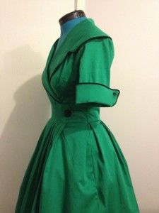 Dollface Diva's gorgeous green housecoat  Now I just need a pearl necklace and some curly hair, and I am GOOD 2 GO