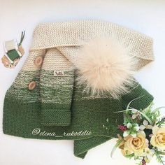 Short coat with knitting needles with description Coat with knitting needles for: months. Crochet Baby Jacket, Knitted Coat, Crochet Beanie, Knit Or Crochet, Crochet For Kids, Knitting For Kids, Baby Knitting, Cardigan Vert, Baby Boy Cardigan