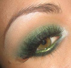 Green Smoky Eyes. Gorgeous . Awee Bridemaids eyes.