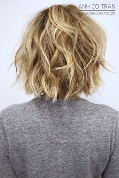 Back-view-layered-messy-bob-hairstyle - Peinados y pelo 2017 para hombre y mujeres Hot Hair Styles, Hair Styles 2016, Medium Hair Styles, Curly Hair Styles, Bob Styles, Layered Bob Hairstyles, Short Hairstyles For Women, Messy Hairstyles, Short Haircuts
