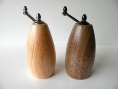 Handmade Black Walnut and Maple Mini Salt par ThunderbirdWoodWerks
