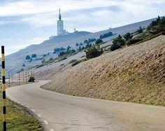 Puertos míticos: Mont Ventoux. Situado en los Alpes de la costa azul francesa. Tiene una altitud de 1.912 metros y una longitud de 212 km.  #bicicletas #ridelife #roadbikes #secondhand #biking #fitnessworld #bikelife #appstore #segundamano #googleplay #enbici #instabikes #ride #bmx #motivation #mountainbike #mtb #weridebikes #coolapps #bicicletta #fixie #cycling #igersbike #velo