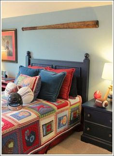 See some sports themed bedroom ideas you can do yourself! Kids Bedroom Boys, Boys Bedroom Decor, Bedroom Themes, Boy Bedrooms, Bedroom Ideas, Kids Rooms, Home Wallpaper, New Room, Decoration