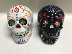 New Day of the Dead Candy Skull SALT & PEPPER SET NEW WITH TAGS