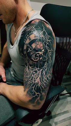 Half Sleeve Tattoos For Guys, Full Sleeve Tattoos, Tattoo Sleeve Designs, Lightening Tattoo, Tattoo Homme, Mexican Skull Tattoos, Lion Shoulder Tattoo, Armour Tattoo, Storm Tattoo
