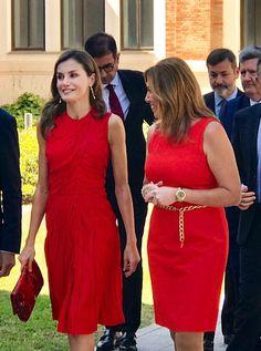 S.M Reina Letizia: UN ROJO DE NINA RICCI ALEGRA A CUALQUIERA!