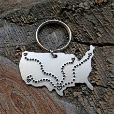 Check out this item in my Etsy shop https://www.etsy.com/listing/261092061/large-custom-usa-state-keychain-any
