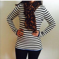 GAP SweaterVery cuteComfyGreat condition  77%Cotton, 20% Nylon, 3% Cashmere. Model 5'8 GAP Sweaters Crew & Scoop Necks