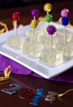 NEW YEARS EVE/DAY CHAMPAGNE JELLO SHOTS