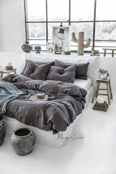 Linen duvet cover in Charcoal Gray Dark Gray color. Rustic Bedroom Design, Bed Linen Design, Bed Design, Bedding Sets Online, Luxury Bedding Sets, Comforter Sets, King Comforter, Bedroom Furniture, Bedroom Decor
