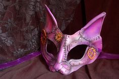 another REALLY cool Steam punk mask from platymorph on ETSY.  Hard to believe thats all leather and not metal! :)