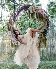 A must try rustic chic wedding pins, so why not grab these simple mind-blowing wedding inspiration, pin number 6993869996 right here. Magical Wedding, Boho Wedding, Perfect Wedding, Destination Wedding, Dream Wedding, Woodland Wedding Dress, Garden Wedding, Wedding Cake, Wedding Tips