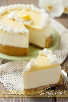 No backed Lemon and white choice Cheesecake Italian Desserts, Lemon Desserts, Lemon Recipes, Sweet Recipes, Delicious Desserts, Yummy Food, Lemon Cheesecake, Cheesecake Recipes, Italian Pastries