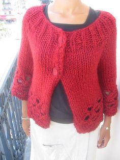 Ravelry: Tess pattern by Kim Hargreaves.  Quick knit!