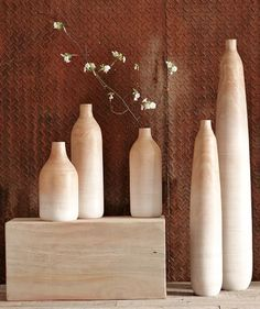 Simple Ombre Vases http://rstyle.me/n/rpbrwbh9c7 Home Design Websites, Contemporary Vases, Decorative Accessories, Home Accessories, Decorative Objects, Handmade Pillows, Handmade Home Decor, Tall Floor Vases, Tall Vases