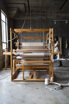 neekaisweird: (by Nicole Franzen Photography) (A well traveled woman) Loom Weaving, Hand Weaving, J Craft, Studio Weave, A Well Traveled Woman, Weaving Textiles, Cool Tools, Photography Photos, Art Studios