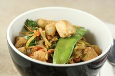 (Easy) Ginger-Garlic Chicken Stir-Fry  I loooooove Ginger...Not just the girl, but the food as well.