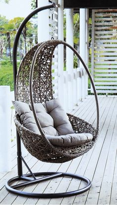Our Rattan Nest Chair comes with its own stand so your can relax     Gh       Treo Gi     R       Mua l     Gh       Treo Gi     R       Gi     r       t       Nh     cung