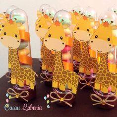 Dessa vez os tubetes viraram girafas!!!!                                                                                                                                                                                 Más