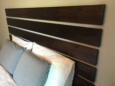 39 Unordinary Diy Headboard Ideas For Bedroom Look Fabulous A great bedroom needs a touch of creativity, some inspiration, your personal style and some pretty good taste and sense … Floating Headboard, Modern Headboard, Headboard Designs, Headboard Ideas, No Headboard Bed, Bed Designs, Contemporary Bedroom Furniture, Modern Bedroom, Diy Furniture