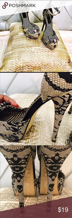 ✨♠️Punk Rock Heals♠️✨ ✨♠️Bad Ass👄Goth chic skull Heels♠️✨ Never Worn, however they have a small spot on the shoe bow, which is hard to see unless you put it up to your face. Absolutely no Wear on the heels AT ALL💯👌Hard to find punk heels, spider web designed😍✨ Shoes Heels