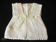 Baby Vest, Baby Cardigan, Baby Knitting Patterns, Baby Patterns, Crochet Bebe, Baby Outfits, Knitwear, Rompers, Sweaters