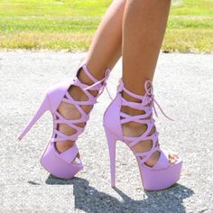Image uploaded by hi. Find images and videos on We Heart It - the app to get lost in what you love. Fancy Shoes, Pretty Shoes, Crazy Shoes, Cute Shoes, Hot Heels, Pumps Heels, Stiletto Heels, Purple High Heels, Sexy High Heels