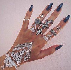 Smarty: Impresionantes Tatuajes blancos de henna, que parecen preciosos encajes sobre la piel