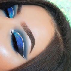 Eye Makeup Blue, Blue Eyeshadow Looks, Makeup Eye Looks, Eye Makeup Tips, Smokey Eye Makeup, Makeup Goals, Makeup Eyeshadow, Makeup Products, Eyeshadows