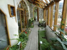 Wonderful Photos Why Earthship Homes Make Perfect to Live Earthship Design, Earthship Home Plans, Solar House, Earth Homes, Natural Building, Eco Friendly House, Sustainable Architecture, Sustainable Living, My Dream Home
