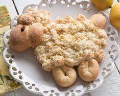 Lemony Lamb Pull-Apart Bread 16 Adorable Animal-Shaped Bread Recipes For Kids Easter Recipes, Holiday Recipes, Easter Desserts, Easter Food, Bento, Rhodes Bread, Rhodes Rolls, Bread Recipes For Kids, Bunny Bread