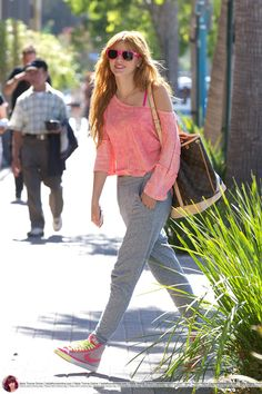 AnythingDiz - Bella Thorne candids at Madilyn Clark Studios