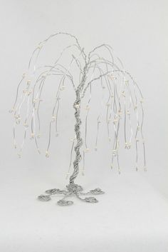 Weeping Willow Tree Wire Sculpture has to b 16 guage or smaller. Weeping Willow, Willow Tree, Wire Tree Sculpture, Wire Sculptures, Wire Ornaments, Wire Trees, Wire Crafts, Wire Art, Metal Art