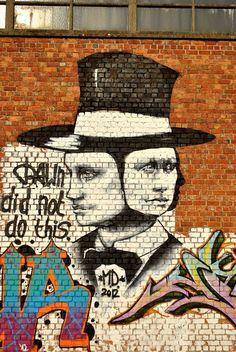 Matthew Dawn - Gand (Belgique) Street Art Banksy, 3d Street Art, Street Artists, Graffiti Artwork, Boy Character, Art Graphique, Outdoor Art, Public Art, Urban Art