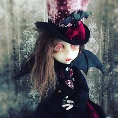This is Ahlyonna, Victorian Vampire made for me by Lulu Lancaster!