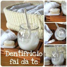 Da qualche tempo ho scoperto il dentifricio fatto in casa. Una felice scoperta, perché ha solo vantaggi: ecologico, economico, non mi devo più ricordare di co