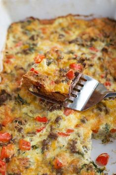 The holidays are quickly approaching and everyone needs a quick, savory, overnight breakfast casserole recipe. Thrown together in minutes, this Never Fail Sausage and Egg Casserole can serve a crowd the next day. Gluten Free Breakfast Casserole, Overnight Breakfast Casserole, Gluten Free Recipes For Breakfast, Egg Casserole, Casserole Recipes, Recipes With Sausage And Peppers, Sausage And Egg, Sausage Recipes, Eggs In Peppers