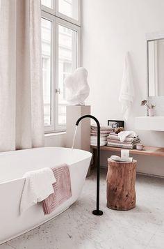 Minimalist white cream and pink bathroom #minimal