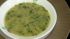 2 bottes de cresson - 4 pommes de terre - 1 oignon - 1 échalote - 40 g de beurre - huile - sel et poivre - une gousse d'ail - 2 dl de crème (facultatif) - 1 jaune d'oeuf (facultatif) - 1,5 litre d'eau.