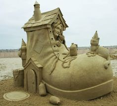 This is awesome! Imagine seeing this as a kid, the story would have come to life in a new way.  #sandcastle #udderlysmooth
