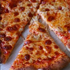 """@thebestfood's photo: """"Cheese pizza is the best! #foodporn #food #pizza #cheese #cheesepizza"""""""