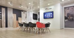 Argenta Cerámica #showroom #exposicion #welcome #bienvenido #pantalla #ceramica #porcelanico #tiles #maderas #wood #paneles