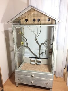 My indoor aviary DIY project From ikea bed to aviary . my indoor diy project for my goldian finches and goldfinches Diy Bird Cage, Bird Cages, Diy Parakeet Cage, Finch Cage, Diy Bird Toys, Bird House Kits, Bird Aviary, Animal Room, Ikea Bed
