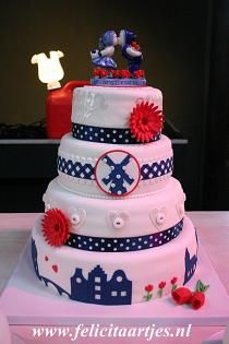 I'm in <3 with this Dutch themed cake!