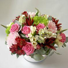 Happy name anniversary day . Big Bouquet Of Flowers, Flower Bouquet Wedding, Floral Bouquets, Beautiful Flowers, Flower Images, Flower Pictures, Happy Name Day Wishes, Floral Centerpieces, Flower Arrangements