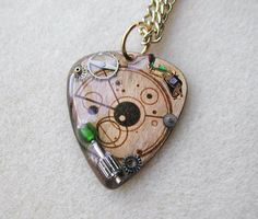 Steampunk Time Travel Doctor Who Necklace (guitar pick! Doctor Who Necklace, All Doctor Who, Guitar Pick Necklace, Nerd Fashion, Hello Sweetie, Time Lords, Geek Out, Unique Necklaces, Jewellery Box