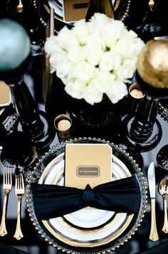 Beautiful New Years Eve table setting