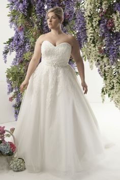 Plus-Size Wedding Dresses That Are Absolutely Gorgeous   The Huffington Post Canada Style