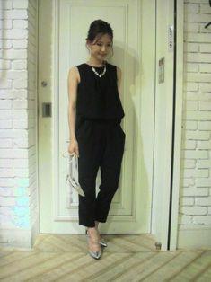 550a302461390 ブラックのオールインワン・パンツドレスのコーディネート参考画像